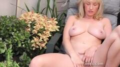 Sexy Babe Anneka Masturbating Thumb