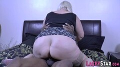 Kinky Gran gobbles black cock and gets fucked Thumb