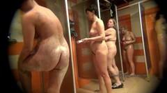 Frisky Spy on real women take shower Thumb