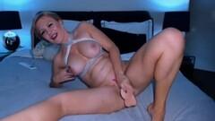 Naughty Australian Babe With Perfect Tits Masturbates Thumb