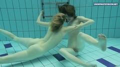 Sweet super hot teens in the pool Thumb