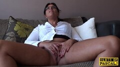 Randy babe plays with her warm pussy Thumb