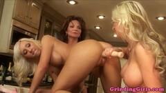 Elegant babes enjoy lesbian fun Thumb