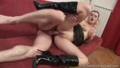 Blonde babe gets her pussy slammed Thumb