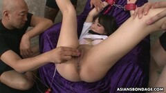 Randy asian gets her pussy toyed Thumb