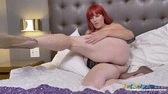 Hot Horny Redhead Mature Solo Showoff Thumb